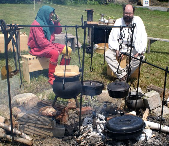 Medieval campfire cooking